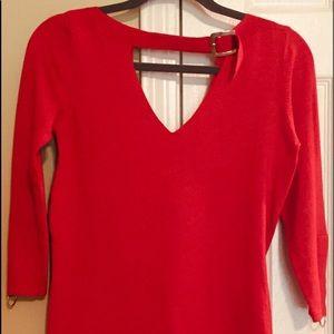 Cache vivid red sweater. Size medium. Silk